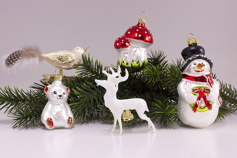 Tipps zur Pflege handbemalter Weihnachtskugeln